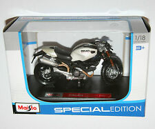 Maisto - DUCATI MONSTER 696 - Motorbike Model Scale 1:18