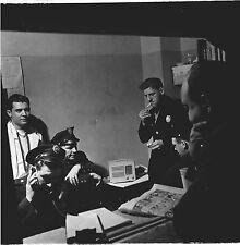 PHOTO ORIGINALE-NEW YORK-ÉTATS UNIS-POLICIERS DANS UN-COMMISSARIAT-1946