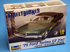 Revell 1/25 1970 Ford Torino GT 2 'n 1 Plastic Model Kit  85-4099 854099