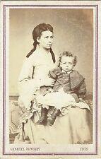Photo cdv : Fondary ; Jeune maman et son enfant en pose , vers 1865
