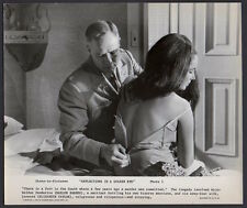 ELIZABETH TAYLOR & MARLON BRANDO 1967 VINTAGE ORIG PHOTO Sexy Scene
