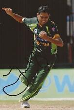 PAKISTAN: ZULFIQAR BABAR SIGNED 6x4 ODI ACTION PHOTO+COA