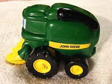 ERTL JOHN DEERE TOY COMBINE TRACTOR #252 6 SS01 Cartoon Face