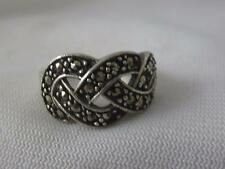 SIGNED SU STERLING SILVER & MARCASITE FAUX WOVEN TOP RING - SIZE 6.75