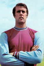 Football Photo GEOFF HURST West Ham United 1968-69