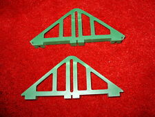 2 x VINTAGE GREEN TRIANG SCALEXTRIC TRACK BRIDGE SUPPORTS FROM 1970s FREE SHIP