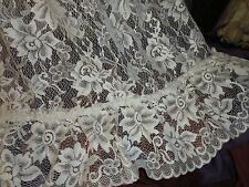 JCP PENNEY VINTAGE CREAM FLORAL LACE (1) SHORT RUFFLED CURTAINS PANEL 55 X 67