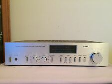 AKAI  STEREO INTEGRATED Amplipier ( Made In Japan )model: AM-U33