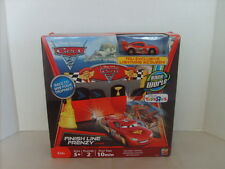 DISNEY PIXAR CARS 2 LIGHTNING McQUEEN FINISH LINE FRENZY COMES WITH FREE CAR