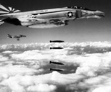 "McDonnell Douglas F-4B Phantom II Fighters Bomb Run 8""x 10 Vietnam War Photo 203"