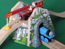 OVERPASS MOUNTAIN TUNNEL para Thomas Friends de madera Railway & BRIO and conjuntos de tren