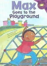 Max Goes to the Playground (Read-It! Readers: The Life of Max)