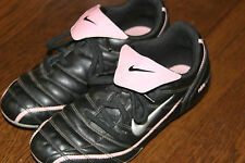 Nike Pink black girls soccer Cleates shoes Youth US SZ 4.5  MM