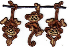 MONKEYS - HANGING ON POLE -Iron On Embroidered Patch/Jungle & Zoo Animal
