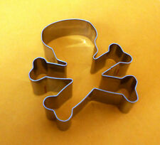 Skull and cross bone party baking biscuit cookie cutter mold