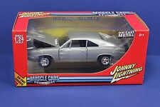 Johnny Lightning 51105F 1:24 1969 Dodge Charger R/T Silver MIB 2005