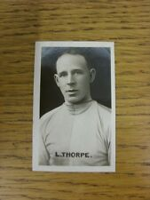 04/11/1922 Trade Card: Champion No 41: Famous Football Captains - Levy Thorpe (B