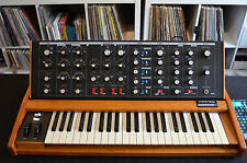 "Moog Minimoog Voyager Old School Keyboard Synthesizer ""MINT Condition"""