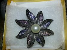 COSTUME JEWLERY PIN FLOWER WITH PEARL IN CENTER BY PRINCESS DESIGNS