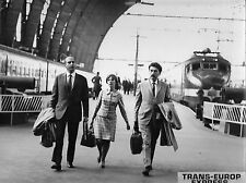 Photo originale Louyet Catherine Alain Robbe-Grillet Trans-Europ-Express gare