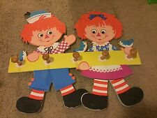 Raggedy Ann & Andy Cut Out Figures Pressed Cardboard Coat Rack 5 Hooks 1972 Wall