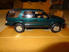 1996 Chevrolet Blazer 4x4 truck promo model. Emerald green. AMT #8296EO 96 Chevy
