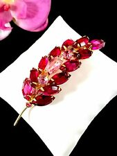 LOVELY JULIANA D&E GOLDTONE RUBY RED FUCHISA PINK RHINESTONE FLORAL LEAF BROOCH