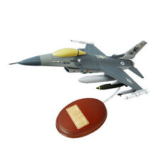 USAF General Dynamics F-16 Fighting Falcon Desk Top Model 1/49 MC 10269 Airplane