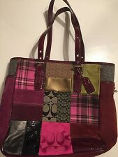 COACH HOLIDAY MULTI-COLOR SIGNATURE PATCHWORK GALLERY TOTE BAG 9752