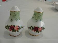 ROYAL DOULTON OLD COUNTRY ROSE SALT AND PEPPER SET