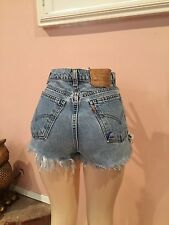 LEVIS CUTOFF JEAN SHORTS Cut Off W 30 High Waisted