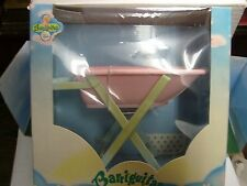 CUNA BARRIGUITAS DE FAMOSA. BOXED NEW