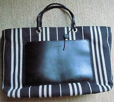 Authentic BURBERRY Handbag suitable for Laptop, Office and Shopping Multi Uses!