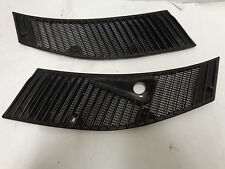 1984 MERCEDES BENZ W123 300d  Fresh Air Intake Grille Black grills