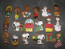 PEANUTS GANG Balsa Wood Xmas ORNAMENTS vtg Paint by Number Snoopy Charlie Brown