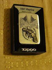 Zippo réplica 41, Colt Américan Eagle,  de 2014, neuf en boite. New in box.
