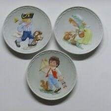 COBBLESTONE KIDS    SET OF 3 LIMITED EDITION COBBLESTONE KIDS COLLECTOR PLATES