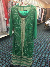 BEAUTIFUL DESIGNER 4PC EMBROIDERED PAKISTANI SUIT IN GREEN COLOR AVAILABLE NOW!