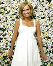 Chenoweth, Kristin [Pushing Daisies] (39563) 8x10 Photo