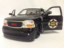 2002 GMC YUKON DENALI XL POLICE CAR 1:24 DIECAST BY JADA DUB CITY HEAT TOYS
