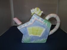 APPLAUSE crooked house with cat ceramic Tea pot