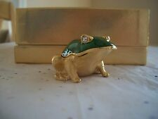 ESTEE LAUDER SOLID PERFUME COMPACT GREEN LEAP FROG  WHITE LINEN MIB SO CUTE!
