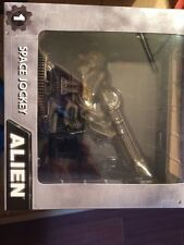 Neca Cinemachines Alien Combo Lot, Space Jockey And Derelict Ship