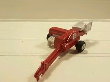 1/64 CUSTOM ERTL FARM TOY INTERNATIONAL IH CASE IH SMALL SQUARE BALER.