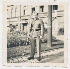Foto Soldat  der Wehrmacht  mit Gehhilfe 2.WK   (W232)
