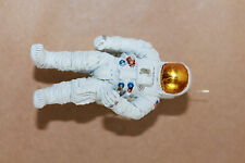 ASTRONAUT STANDING, KIT, WHITE METAL, 1/43 SCALE