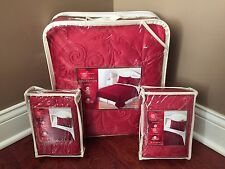 FULL QUEEN 3-pc Quilt & Shams Bedding Set RED Whimsical Snowflake Holiday Swirl