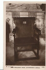 Leicestershire Postcard - John Wycliffe's Chair - Lutterworth Church   P802