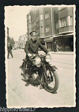 Photo vintage photo snapshot, ancien moto OLD MOTORCYCLE vieille moto (83d)