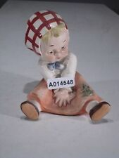 +# A014548 Goebel Archivmuster, RF 82, sitzendes Mädchen m. Frosch, TMK1 Krone